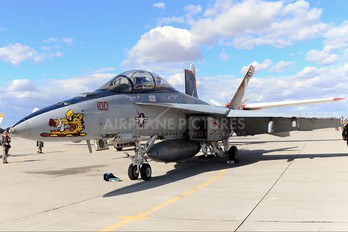 166628 - USA - Navy McDonnell Douglas F/A-18F Super Hornet