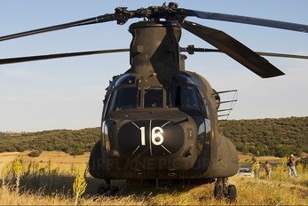 HT.17-08 - Spain - Army Boeing CH-47D Chinook