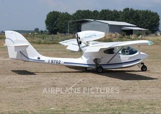 I-9702 - Private SeaMax M22