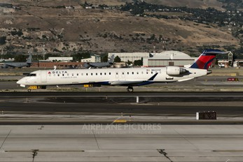 N822SK - Delta Connection - SkyWest Airlines Canadair CL-600 CRJ-900