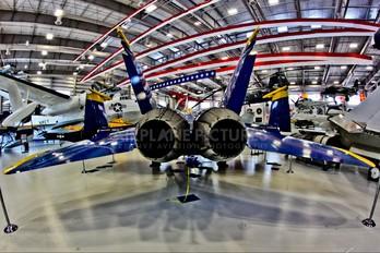 161959 - USA - Navy : Blue Angels McDonnell Douglas F/A-18A Hornet
