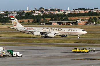 A6-EHC - Etihad Airways Airbus A340-500
