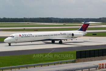 N906DL - Delta Air Lines McDonnell Douglas MD-88