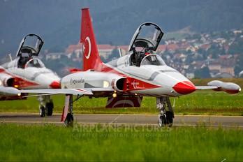 71-4019 - Turkey - Air Force : Turkish Stars Canadair NF-5B