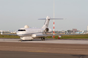 11-9001 - USA - Air Force Bombardier E-11A Global Express