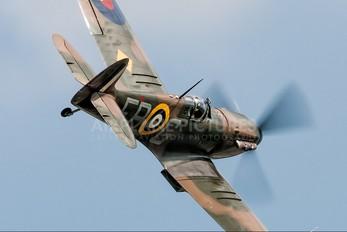 "AB910 - Royal Air Force ""Battle of Britain Memorial Flight&quot Supermarine Spitfire Mk.Vb"