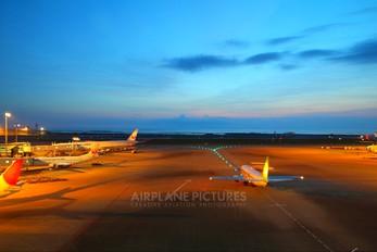 JA737G - Solaseed Air - Skynet Asia Airways Boeing 737-400