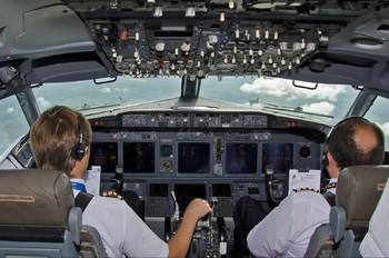 UR-CLS - Kharkiv Airlines Boeing 737-800