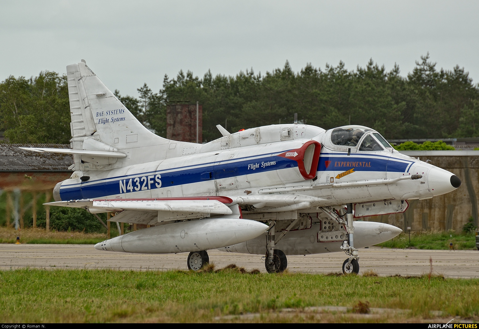 BAe Systems N432FS aircraft at Wittmundhafen