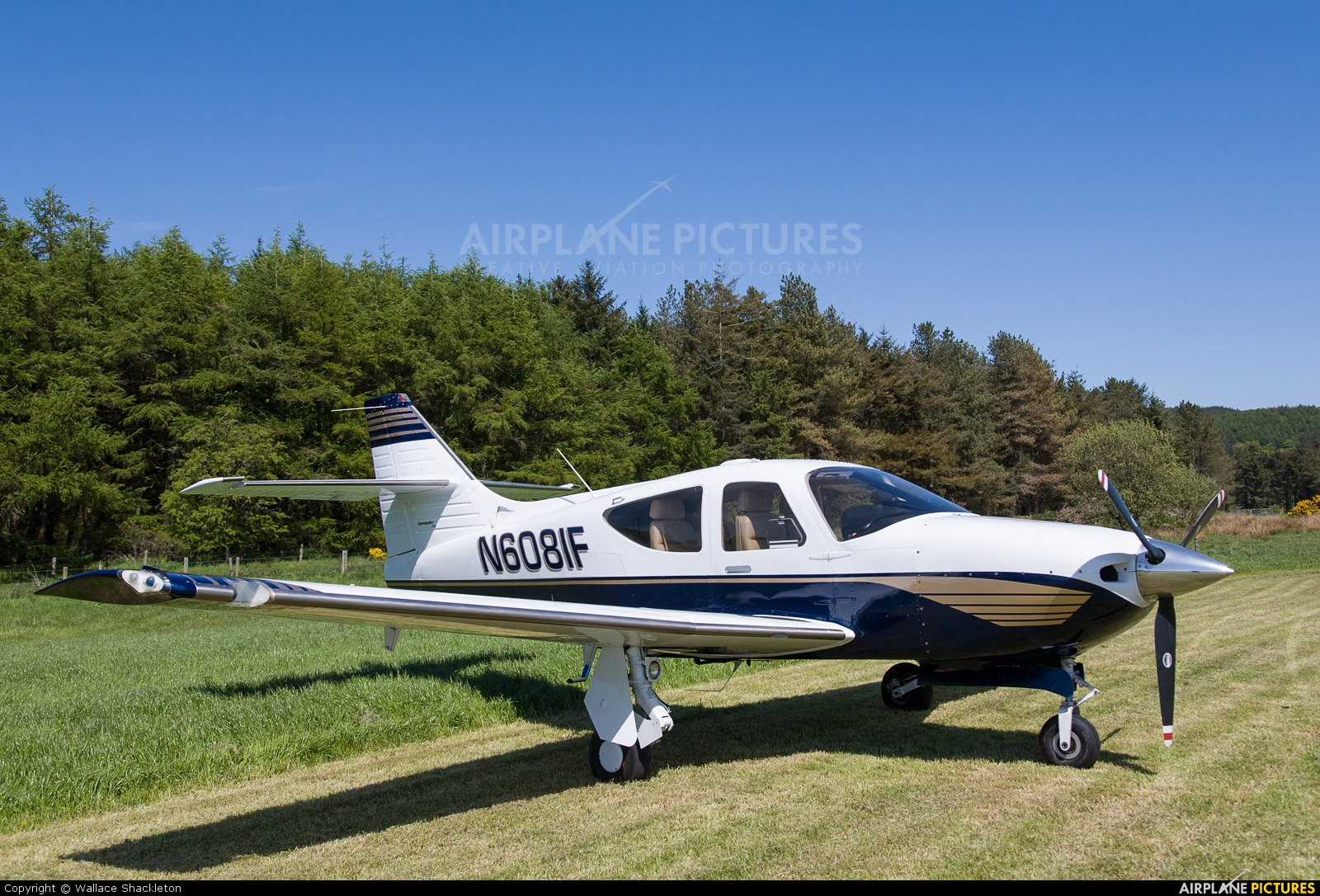 Private N6081F aircraft at Castle Kennedy