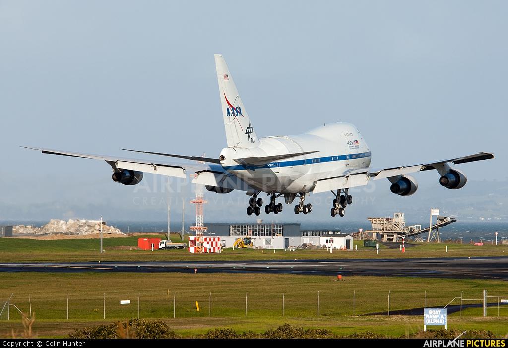 NASA N747NA aircraft at Auckland Intl