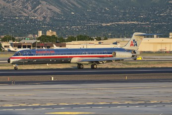 N579AA - American Airlines McDonnell Douglas MD-82