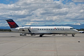 N408SW - Delta Connection - SkyWest Airlines Canadair CL-600 CRJ-200