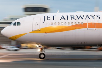 VT-JWN - Jet Airways Airbus A330-200