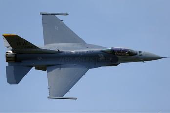 92-894 - USA - Air Force Lockheed Martin F-16CJ Fighting Falcon