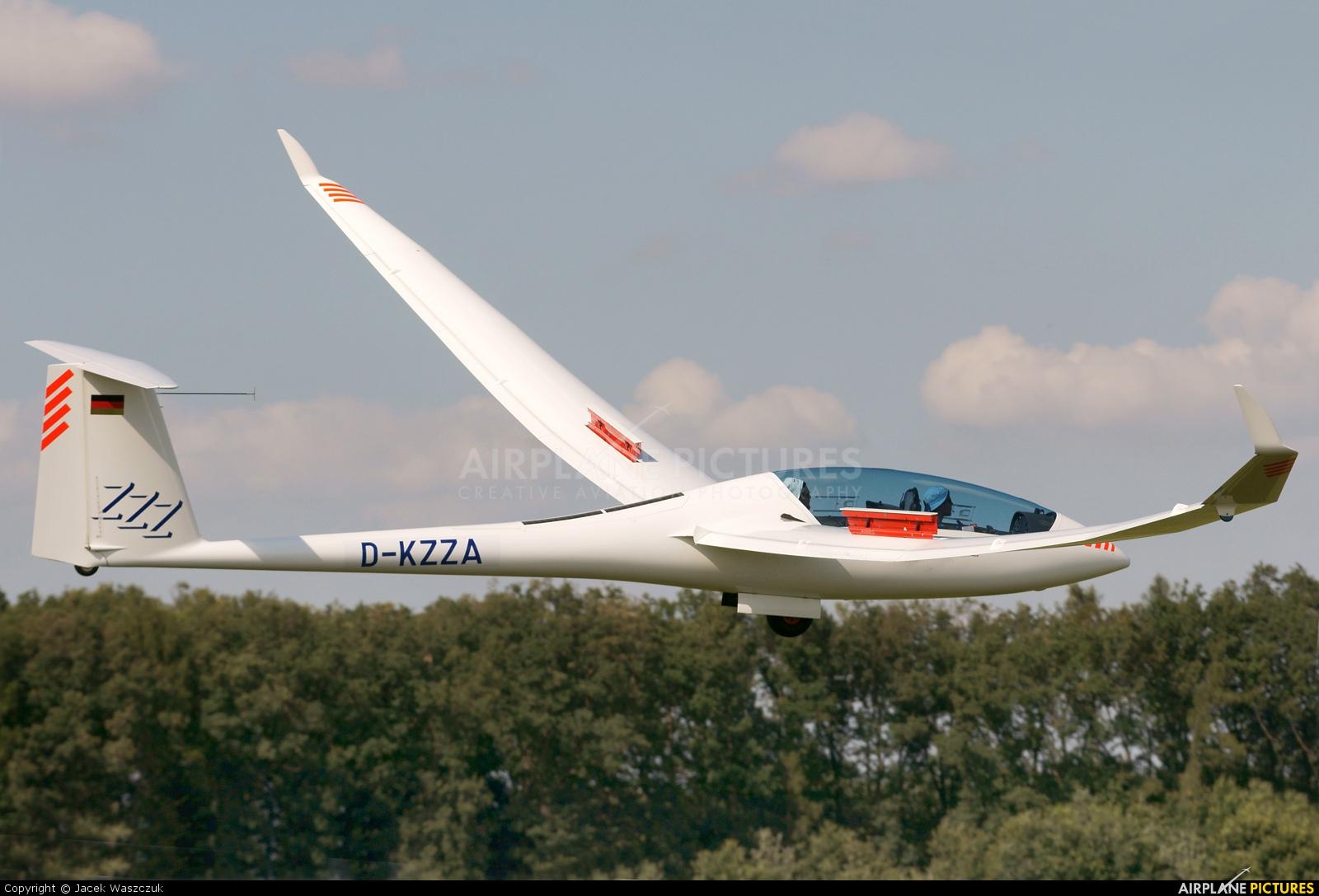 Private D-KZZA aircraft at Ostrów Wielkopolski - Michałków