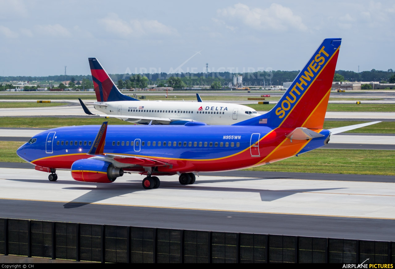 Where To Park At Atlanta Airport For American Airlines