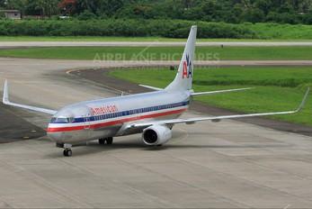 N932AN - American Airlines Boeing 737-800