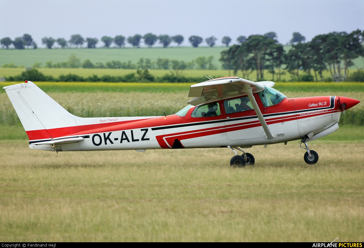 Private OK-ALZ aircraft at Roudnice nad Labem