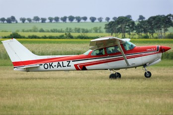 OK-ALZ - Private Cessna 172 RG Skyhawk / Cutlass
