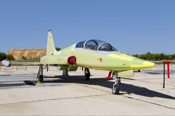 AE.9-031 - Spain - Air Force CASA-Northrop  SF-5B(M) Freedom Fighter