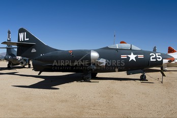 125183 - USA - Navy Grumman F9F Panther