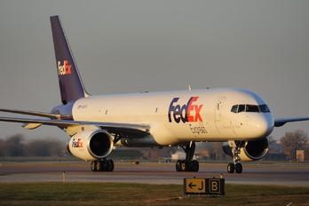N918FD - FedEx Federal Express Boeing 757-200F