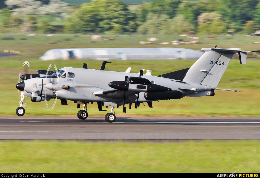 USA - Army 93-0068 aircraft at Prestwick