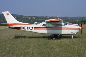 OE-DOX - Private Cessna 210 Centurion