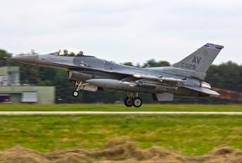 89-2029 - USA - Air Force General Dynamics F-16CG Night Falcon