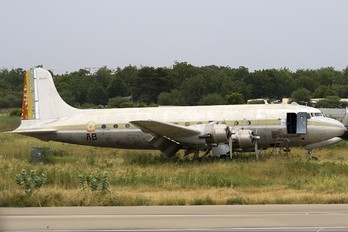 10409 - Tchad - Air Force Douglas C-54A Skymaster