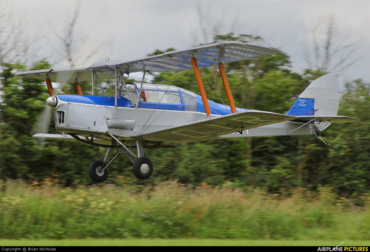 Private G-AOIR aircraft at Stoke Golding