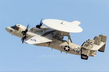 165827 - USA - Navy Grumman E-2C Hawkeye