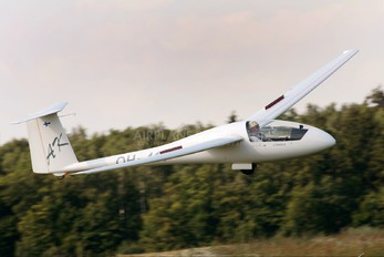 OH-411 - Private Schempp-Hirth Standard Cirrus