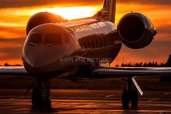 N818BK - Private Gulfstream Aerospace G-IV,  G-IV-SP, G-IV-X, G300, G350, G400, G450