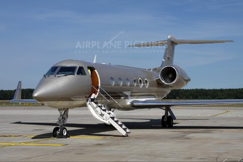 N721BS - Private Gulfstream Aerospace G-IV,  G-IV-SP, G-IV-X, G300, G350, G400, G450