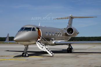 N721BS - Private Gulfstream Aerospace G-IV,  G-IV-SP, G-IV-X, G300, G350, G400, G450