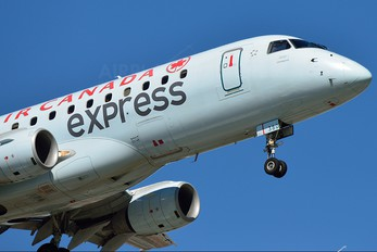C-FEKD - Air Canada Express Embraer ERJ-170 (170-100)