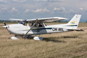 OK-MIL - Private Cessna 172 Skyhawk (all models except RG)