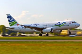 XU-ZAB - Sky Wings Airbus A320