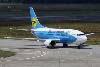 UR-GBC - Ukraine International Airlines Boeing 737-500