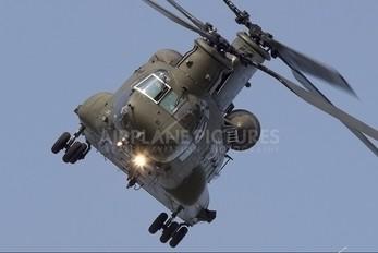 ZA674 - Royal Air Force Boeing Chinook HC.2