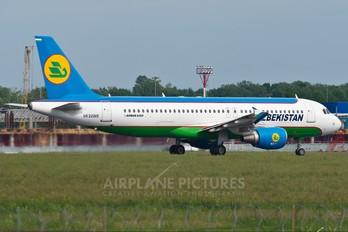 UK32019 - Uzbekistan Airways Airbus A320