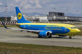 UR-GBF - Ukraine International Airlines Boeing 737-500