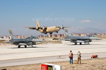 1630 - Saudi Arabia - Air Force Lockheed C-130H Hercules