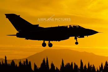 MM7015 - Italy - Air Force Panavia Tornado - IDS