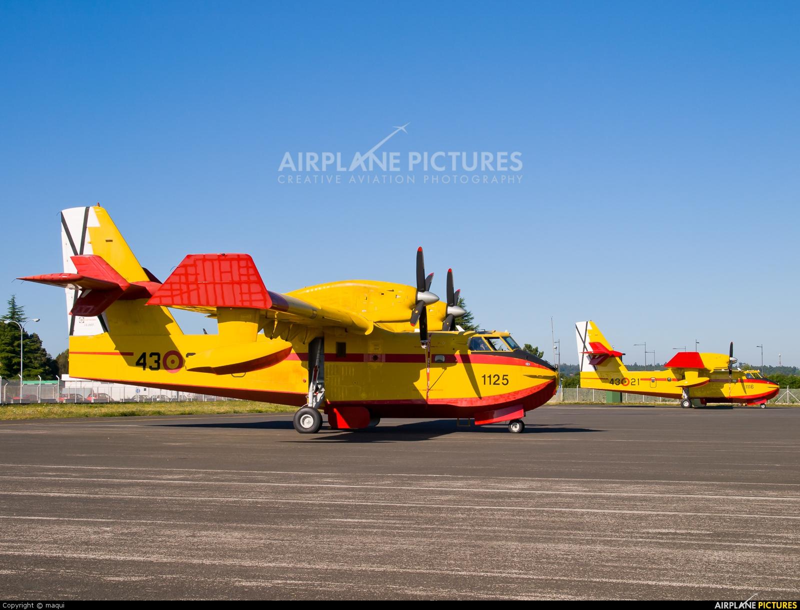 Spain - Air Force UD.13-30 aircraft at Santiago de Compostela