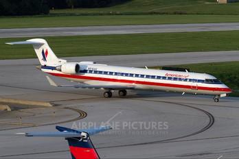 N516AE - American Eagle Canadair CL-600 CRJ-701