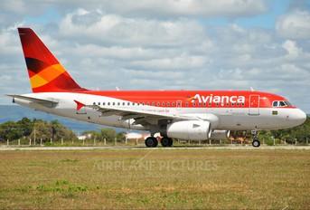 PR-ONM - Avianca Brasil Airbus A318