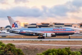 N323AA - American Airlines Boeing 767-200ER
